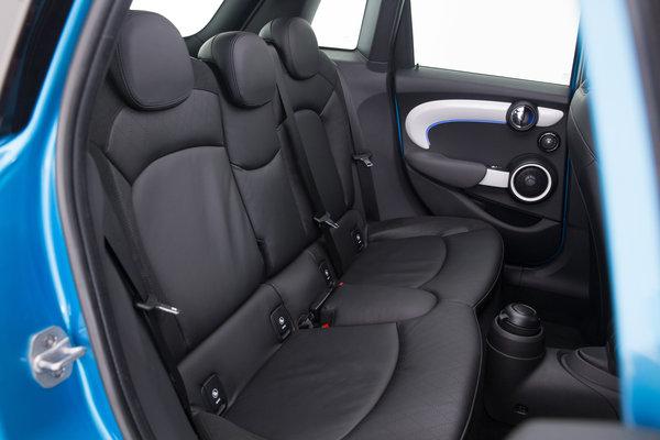 2015 Mini Cooper Hardtop 4-door Interior