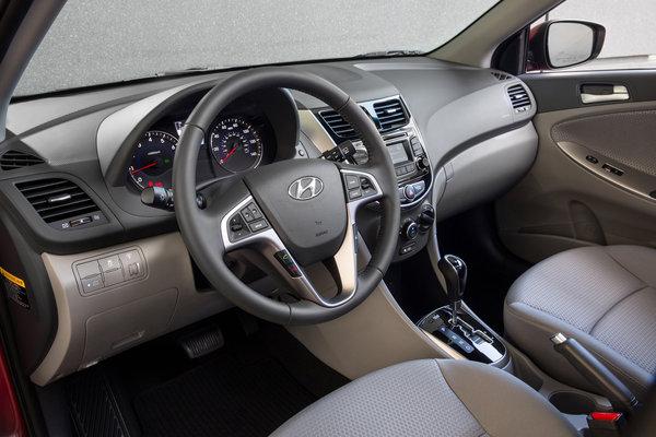 2015 Hyundai Accent 5d Interior