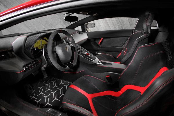2016 Lamborghini Aventador LP750-4 Interior