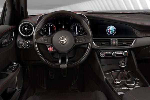2017 Alfa Romeo Giulia Quadrifoglio Instrumentation