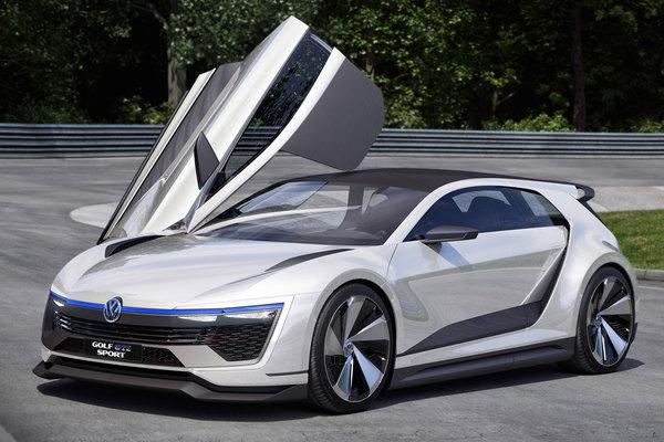 2015 Volkswagen Golf GTE Sport