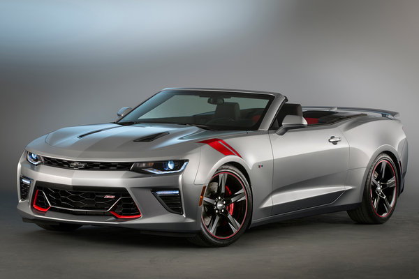 2015 Chevrolet Camaro SS Red Accent Package