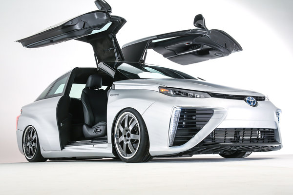 2015 Toyota Back to the Future Mirai