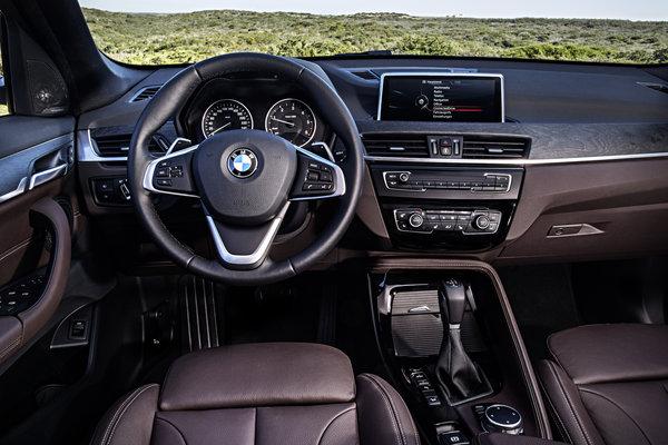 2016 BMW X1 Instrumentation