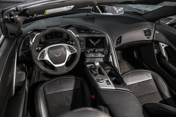 2016 Chevrolet Corvette Convertible Interior