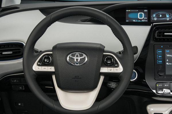2016 Toyota Prius Three Instrumentation