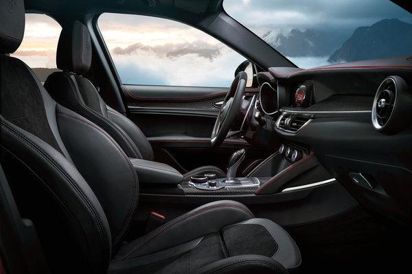 2018 Alfa Romeo Stelvio Interior