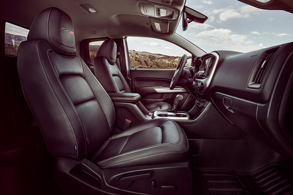 2017 Chevrolet Colorado ZR2 Extended Cab Interior