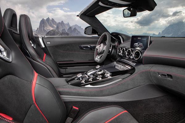 2018 Mercedes-Benz AMG GT C Roadster Interior