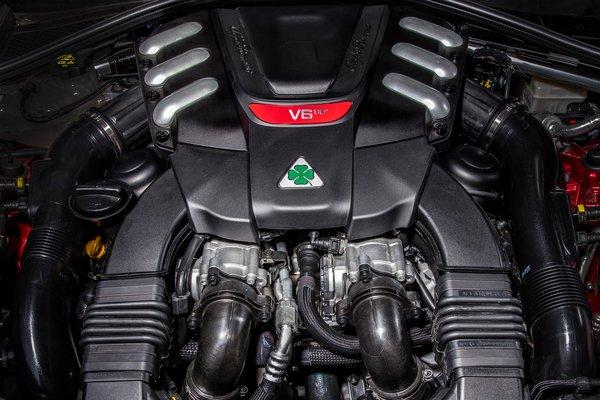 2017 Alfa Romeo Giulia Quadrifoglio Engine
