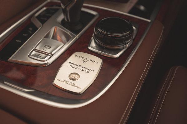 2017 BMW Alpina B7 xDrive Instrumentation