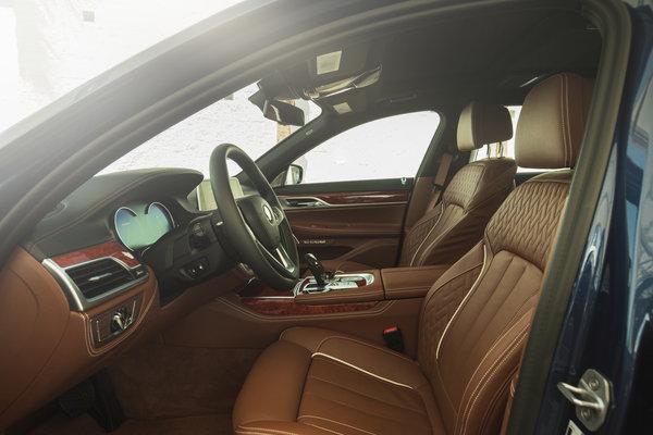 2017 BMW Alpina B7 xDrive Interior