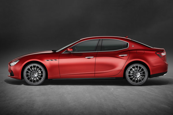 2017 Maserati Ghibli Sport pack
