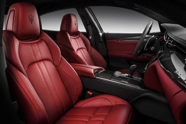 2017 Maserati Quattroporte GTS Interior