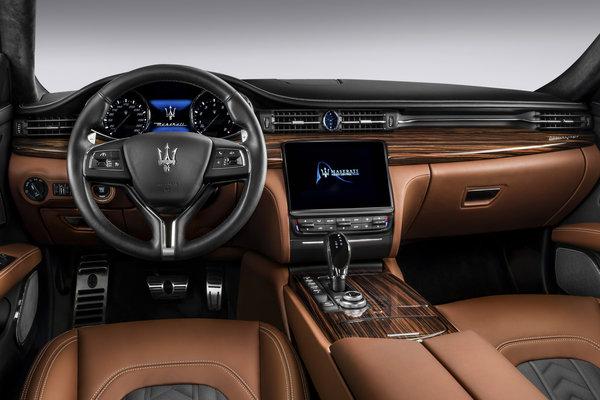 2017 Maserati Quattroporte S Q4 Interior