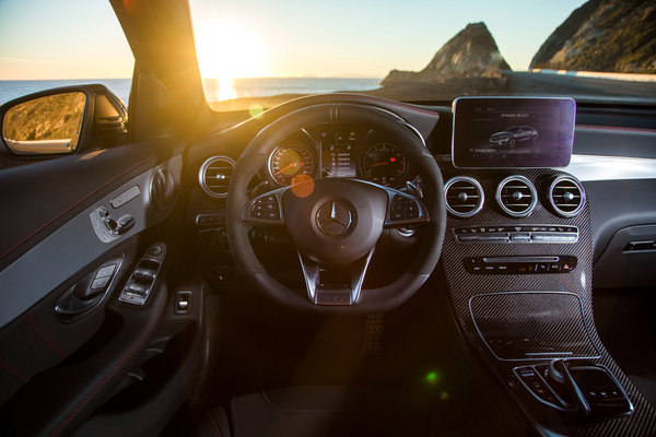 2017 Mercedes-Benz GLC-Class AMG GLC43 Coupe Instrumentation