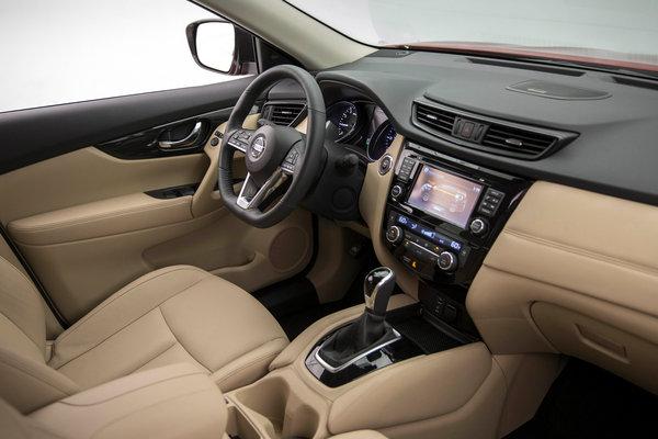 2017 Nissan Rogue Hybrid SL Interior