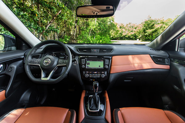 2017 Nissan Rogue SL Interior