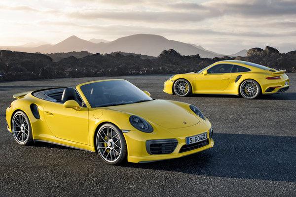 2017 Porsche 911 Turbo S Coupe / Cabriolet