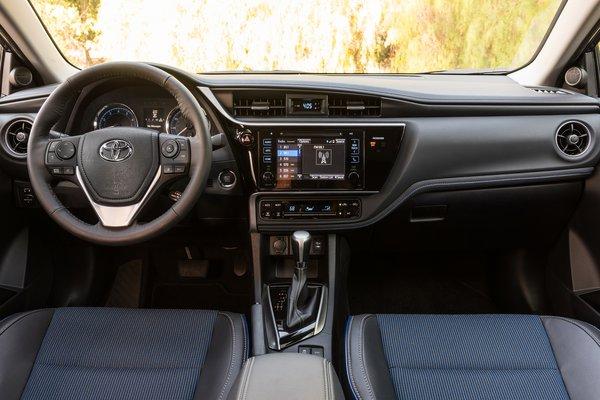 2017 Toyota Corolla SE Interior