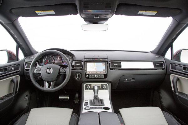 2017 Volkswagen Touareg Interior