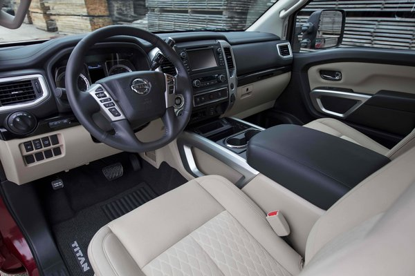 2017 Nissan Titan King Cab Interior