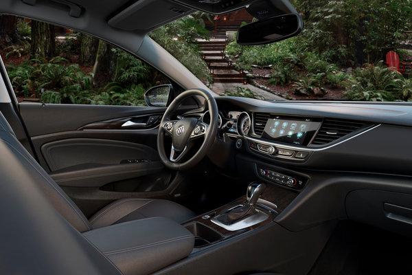 2018 Buick Regal TourX Interior