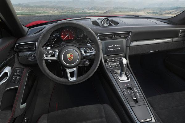 2018 Porsche 911 Carrera Cabriolet Interior