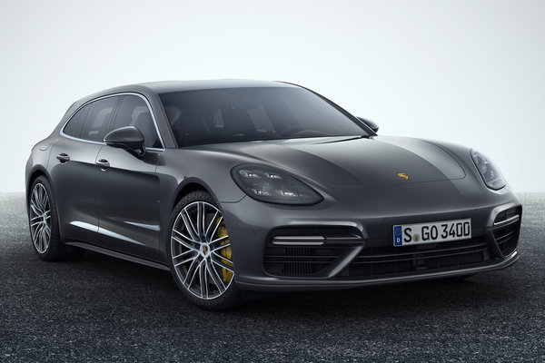 2018 Porsche Panamera Sport Turismo Turbo
