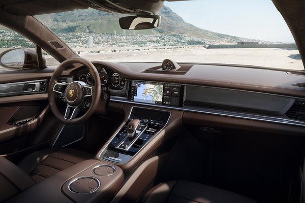 2018 Porsche Panamera Sport Turismo Turbo Interior