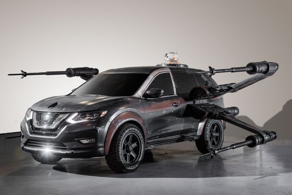 2017 Nissan Rogue - Poe Dameron X-wing with BB-8