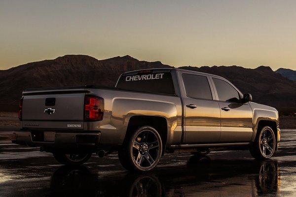 2017 Chevrolet 2018 Silverado Performance