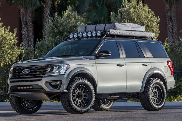 2017 Ford Expedition by LGE-CTS Motorsports