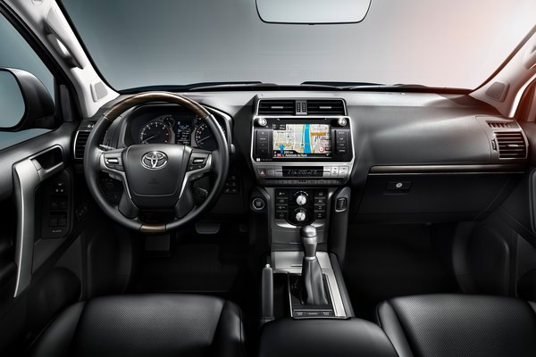 2018 Toyota Land Cruiser Interior