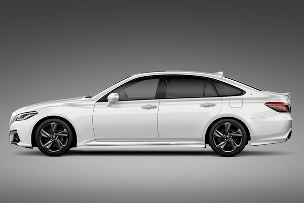 2017 Toyota Crown