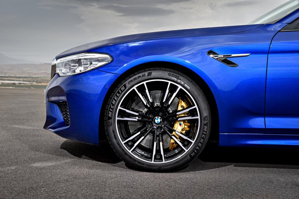 2018 BMW 5-Series M5 sedan Wheel