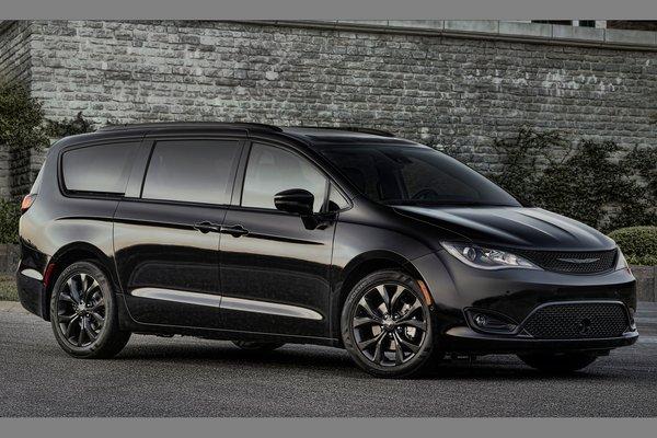 2018 Chrysler Pacifica S