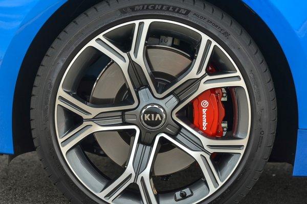 2018 Kia Stinger GT2 AWD Wheel