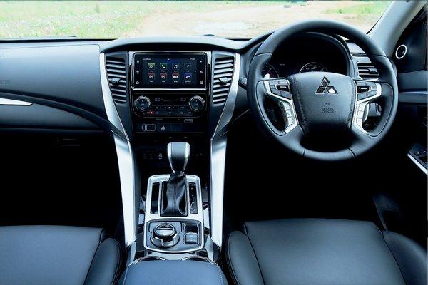 2018 Mitsubishi Shogun Sport Interior