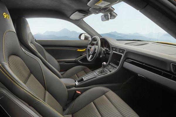 2018 Porsche 911 Carrera T Coupe Interior