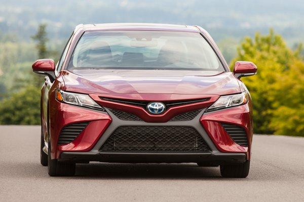 2018 Toyota Camry SE Hybrid