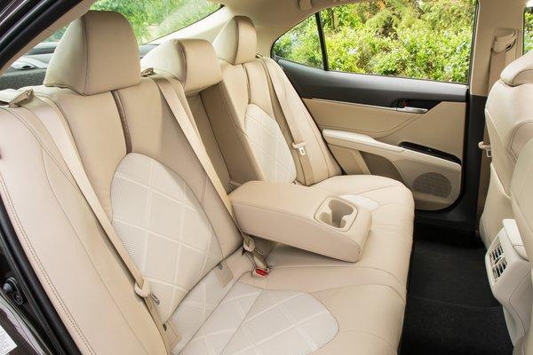 2018 Toyota Camry XLE Hybrid Interior