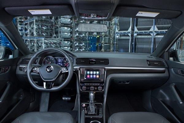 2018 Volkswagen Passat GT Interior