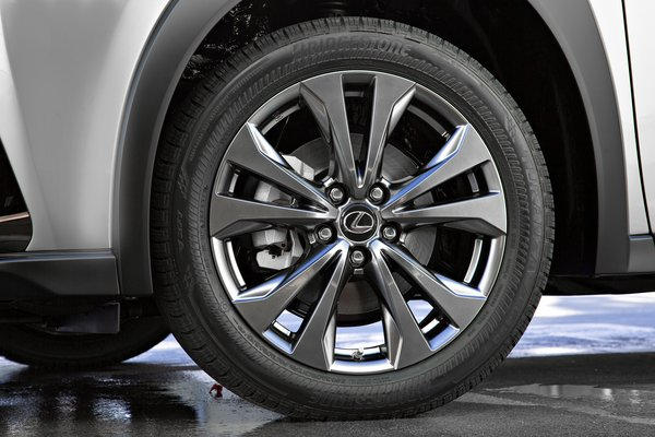2019 Lexus UX Wheel