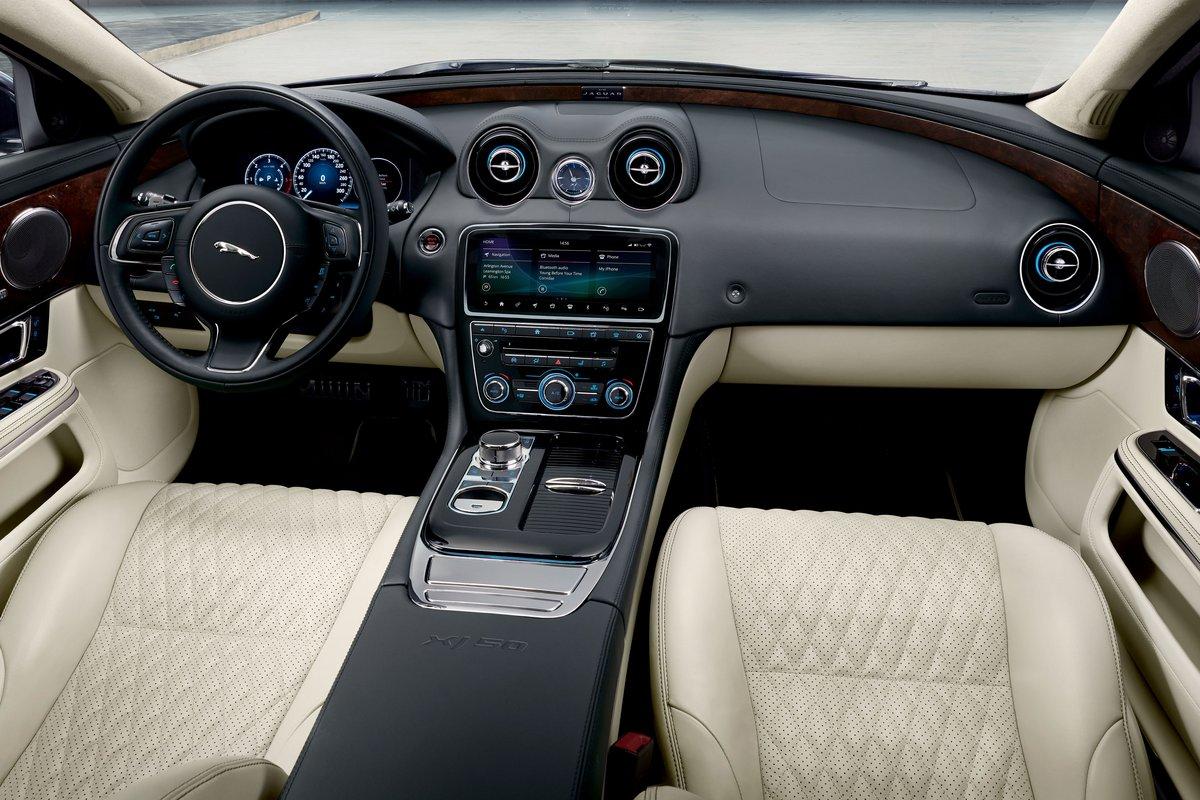 2019 Jaguar Xj Pictures