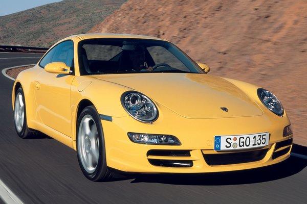 2004 Porsche 911 coupe
