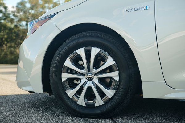 2020 Toyota Corolla Hybrid sedan Wheel
