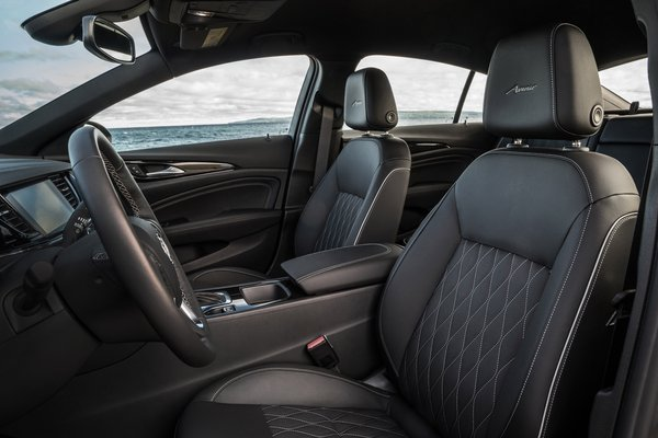 2019 Buick Regal Avenir Sportback Interior