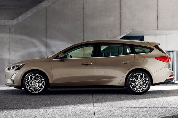 2019 Ford Focus Titanium wagon (European Model)
