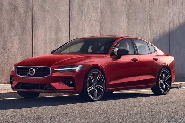 2019 Volvo S60 R-Design